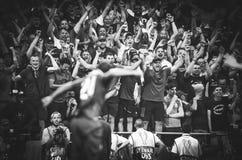 Мадрид, Испания - 1-ОЕ МАЯ 2019: Вентиляторы Ливерпуля поддерживают команду во время финального матча 2019 лиги чемпионов UEFA ме стоковое фото rf