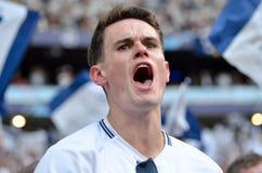 Мадрид, Испания - 1-ОЕ МАЯ 2019: Вентиляторы Tottenham в стойках поддерживают команду во время финального матча 2019 лиги чемпион стоковое фото