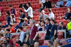 Мадрид, Испания - 1-ОЕ МАЯ 2019: Зрители и вентиляторы перед финальным матчем 2019 лиги чемпионов UEFA между FC Ливерпулем против стоковые изображения rf
