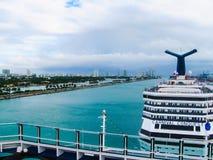 Майами, США - 5-ое января 2014: Туристическое судно Concuest масленицы Стоковая Фотография