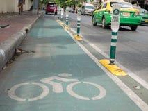 Майна велосипеда вокруг дороги athit phra дальше может 28, 2016 в Бангкоке, Таиланд Стоковая Фотография RF