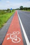Майна велосипеда на дороге на сельской местности в Phatthalung Стоковые Изображения RF