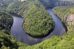 Майор меандра реки Влтавы horseshoe, выгодная позиция около Праги, c стоковое изображение rf