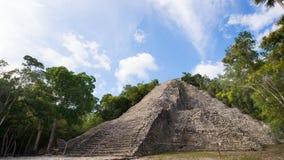 Майяская пирамида Kukulcan El Castillo в Chichen Itza, Мексике Стоковое Изображение RF