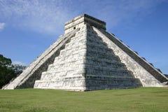 майяская пирамидка стоковые изображения