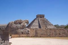 Майяская пирамида Kukulcan на Chichen Itza, Юкатане, Мексике Стоковое Изображение RF