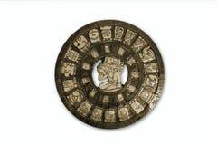 Майяский календарь, изолированный на белизне стоковое фото