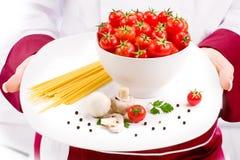 макаронные изделия итальянки ингридиентов шеф-повара Стоковое Изображение RF