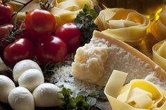макаронные изделия итальянки ингридиентов Стоковое фото RF