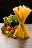 макаронные изделия итальянки ингридиентов Стоковые Изображения RF
