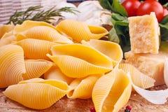 макаронные изделия итальянки ингридиентов Стоковое Изображение RF