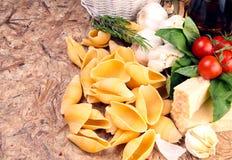 макаронные изделия итальянки ингридиентов Стоковое Фото