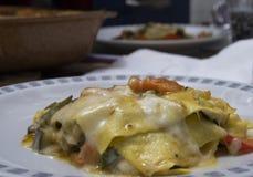 Макаронные изделия лазаньи вегетарианские стоковые изображения rf