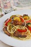 макаронные изделия мяса стоковое фото rf