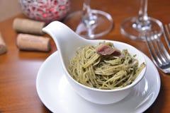 Макаронные изделия соуса камс verde al Acciughe зеленые стоковое изображение rf