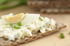 макаронные изделия яичка диетпитания хлеба темные утончают Стоковое Фото