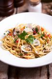 Макаронные изделия Linguine в соусе clams стоковая фотография