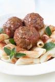 макаронные изделия meatballs Стоковые Фотографии RF