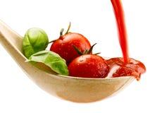 Макаронные изделия базилика и томатный соус Стоковое Фото