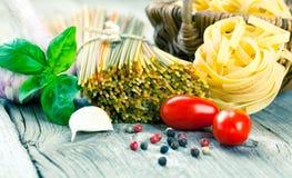 макаронные изделия гнездя fettuccine итальянские Стоковое Изображение RF
