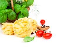 макаронные изделия гнездя fettuccine итальянские Стоковая Фотография