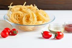 Макаронные изделия и соус свежих томатов Стоковые Изображения RF