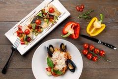 Макаронные изделия морепродуктов & зажаренные рыбы Стоковое Изображение