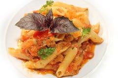 Макаронные изделия с томатным соусом и пармезаном Стоковое Изображение RF