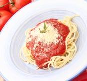 Макаронные изделия с томатным соусом стоковое фото rf