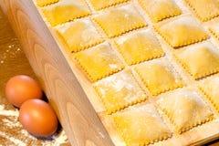 Макаронные изделия Agnolotti с яичками и говядиной Стоковая Фотография