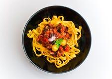 Макаронные изделия Tagliatelle с томатным соусом 2 продукта моря Стоковые Изображения RF