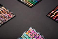 Макетируйте красочные палитры теней для век как предпосылка макияжа стоковые фотографии rf