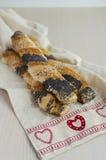 Маковые семенена и закрутки печенья слойки Sesam Стоковая Фотография