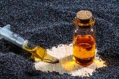 Маковые семенена и масло Стоковое Изображение RF