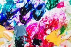 Макрос близкий вверх краски масла другого цвета красочный acrylic Концепция современного искусства стоковая фотография rf