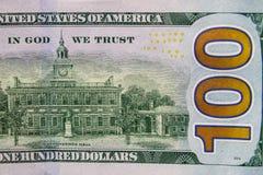 Макрос снятый 100 долларов счета Стоковые Изображения