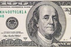 Макрос снятый 100 долларов счета Стоковые Фото