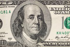 Макрос снятый 100 долларов счета Стоковые Изображения RF