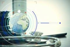 Макрос студии стетоскопа и глобуса текстуры с цифровой платой Стоковая Фотография