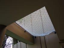 Максимум веревочки поверх спортивной площадки стоковые изображения rf