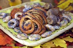 мак листьев плюшек bagels предпосылки осени Стоковое Изображение RF