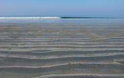 Малая вода на пляже Стоковые Изображения