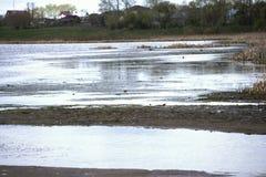 Малая вода на реке shoaling Стоковая Фотография
