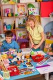 Малая картина девушки студентов в классе художественного училища Стоковые Фото