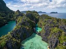 Малая лагуна в El Nido, Palawan, Филиппинах Путешествуйте трасса и установите Стоковые Фотографии RF