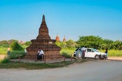 Малая пагода вокруг пагоды Shwesandaw Стоковая Фотография RF