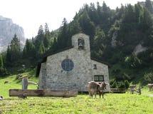 Малая церковь в альп Стоковая Фотография