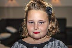 Маленькая девочка в семидесятых годах стоковое изображение rf