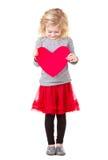 Маленькая девочка держа сердце стоковое изображение rf
