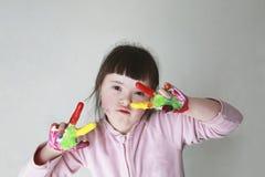Маленькая девочка имеет потеху Стоковая Фотография